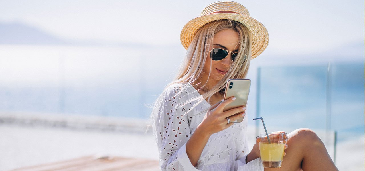how-to-keep-your-phone-cool-on-hot-days