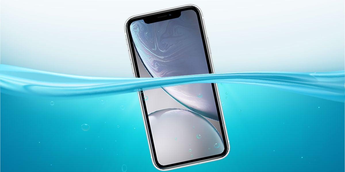 is-the-iphone-xr-waterproof